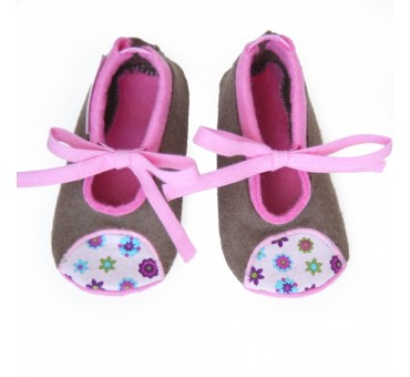 Baby Wool Felt Slippers - LIGHT BROWN flowers