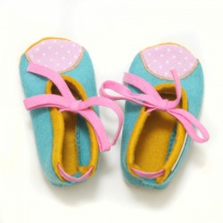 Baby Wool Felt Slippers - BLUE YELLOW PINK (17) - LAST ONE