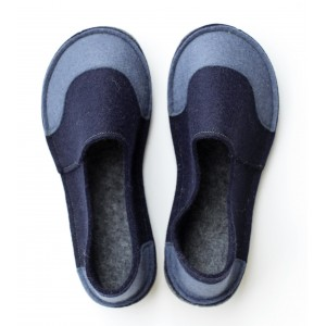 82d422e399a2 School Kids Wool Felt Slippers - NAVY JEANS Boy